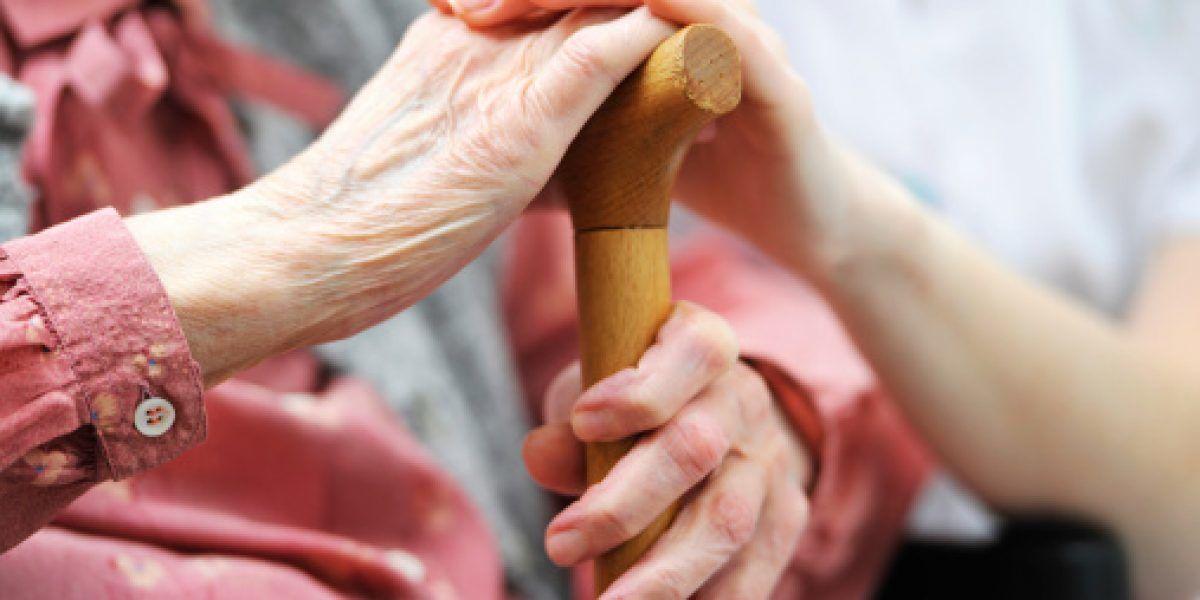 Alcalde de Toa Alta anuncia proyecto de viviendas para adultos mayores