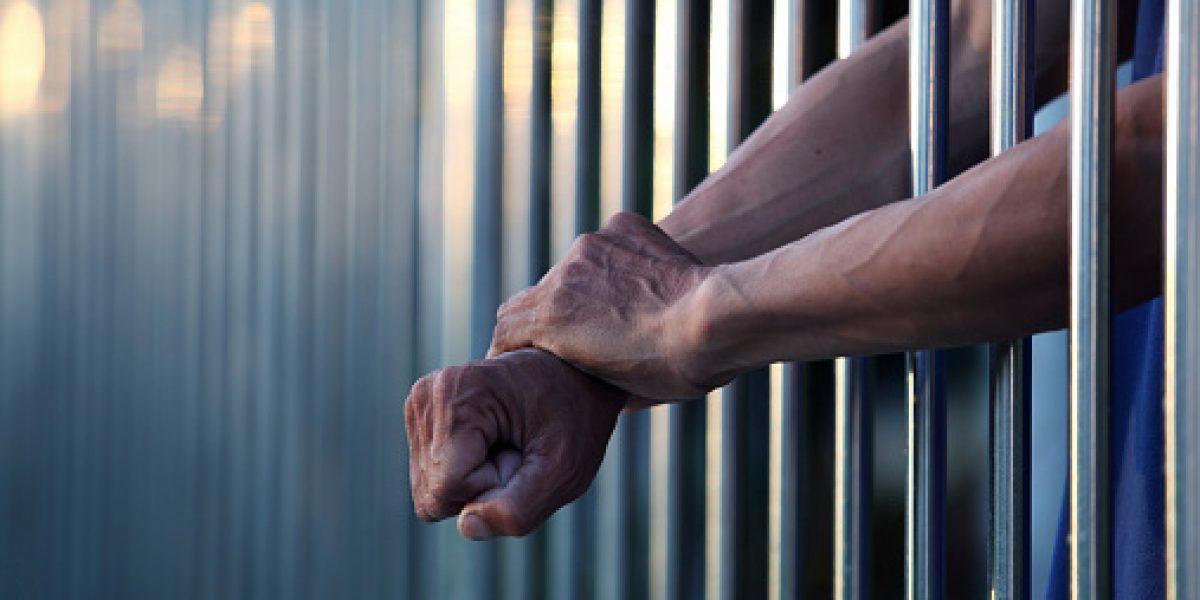 Jefe policial de Luisiana acusado de violencia contra presos
