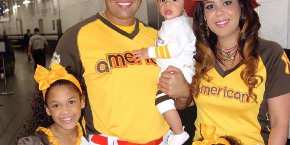 Carlos Beltrán y su familia dejan ver su lado boricua en Halloween
