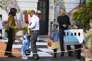 President Obama And First Lady Host Halloween Event At The White House. Imagen Por: