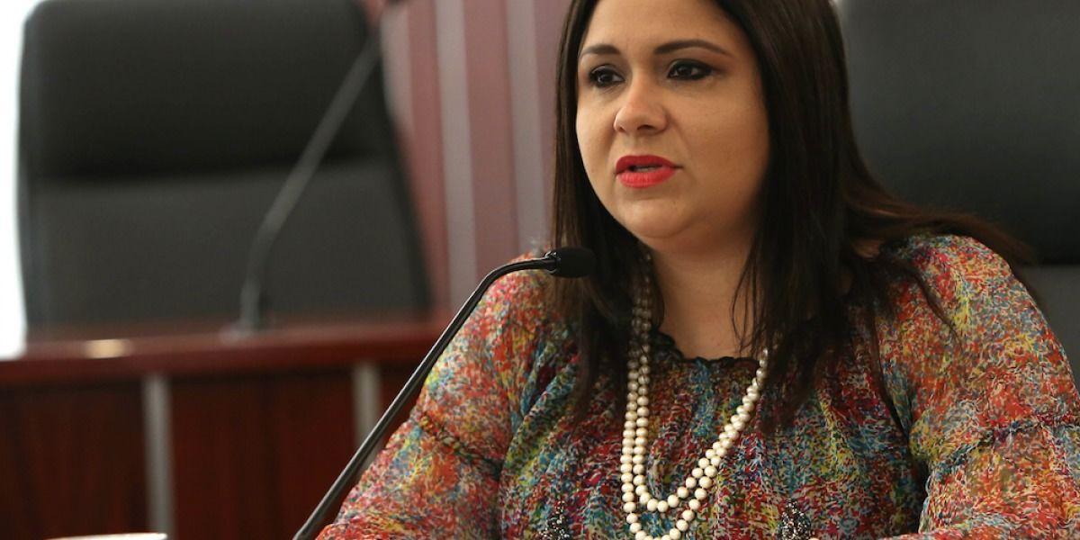 Senadora Mari Tere González dice no renunciará al escaño