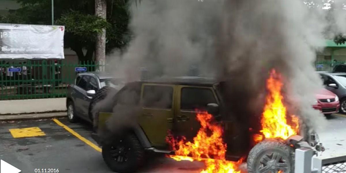 Se incendia Jeep en escuela de Guaynabo