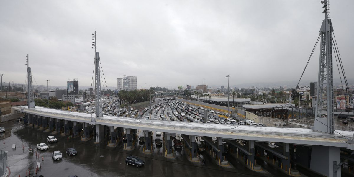 Migrantes de todo el mundo llegan a EE.UU. por frontera con México