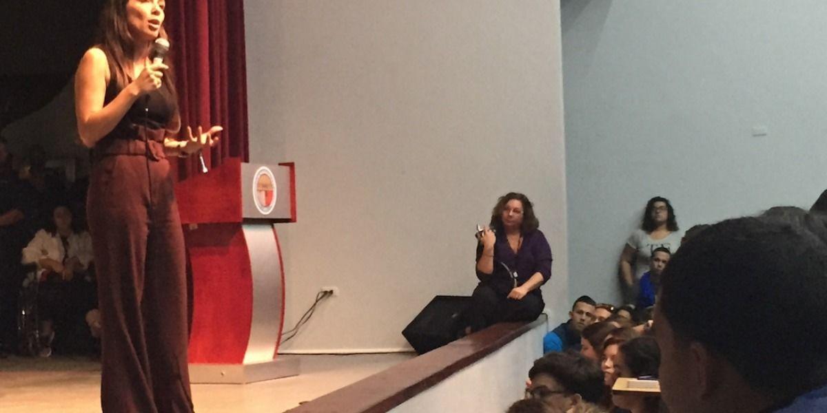 Lúgaro presenta su propuesta en UPR Bayamón
