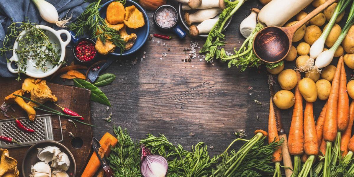 Cena a ciegas en Atelier y nuevos talleres en Cocina Abierta