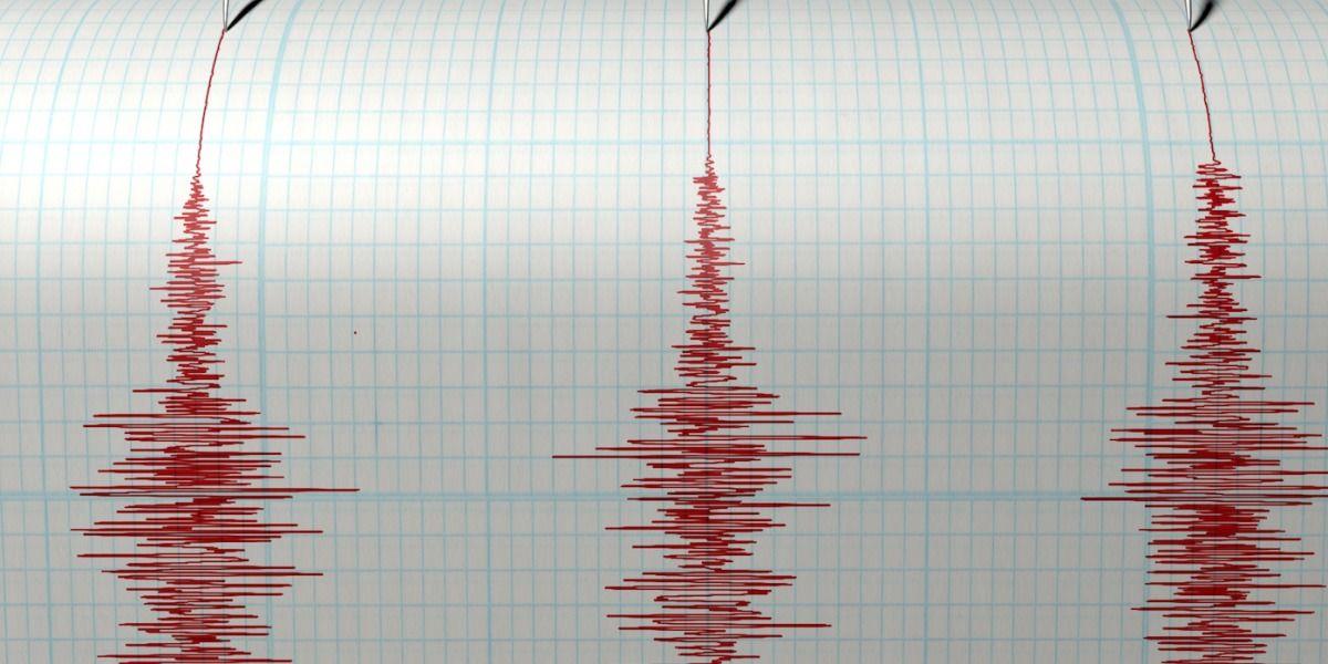 Fuerte temblor de 6.4 remece edificios en Chile