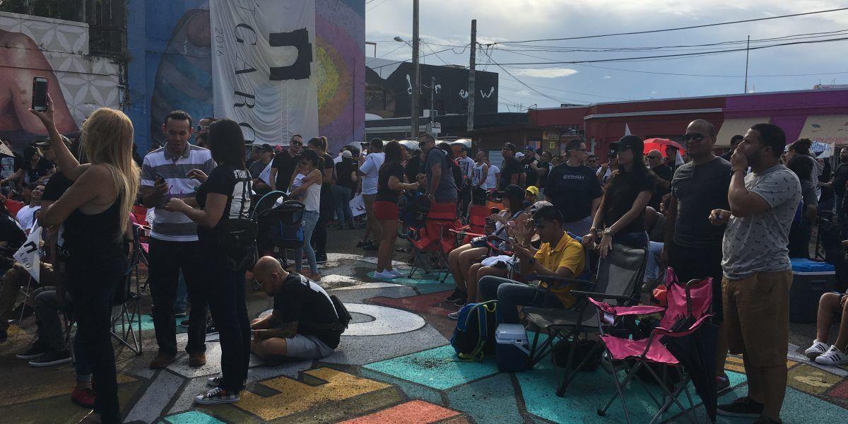 Cierre de campaña de Lúgaro: Comienzan aglutinarse en la calle Cerra
