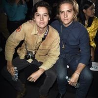 "Los gemelos que interpretaron a ""Zack y Cody"" ya no son tan parecidos. Imagen Por: Getty Images"