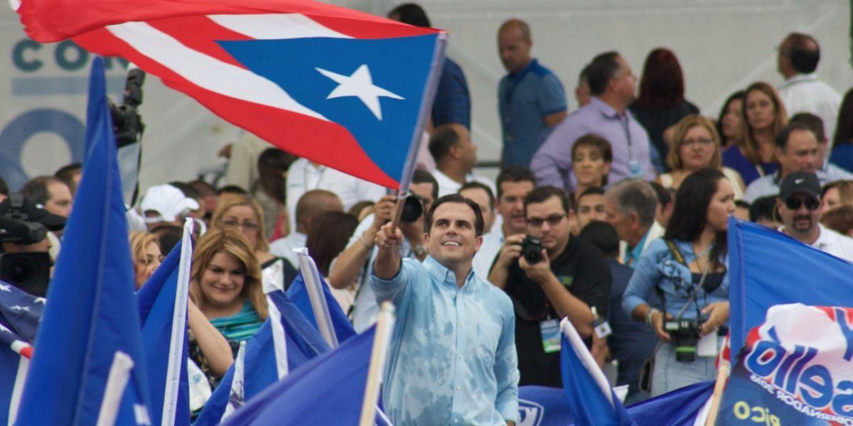 Electores salen a favor y en contra de Ricardo Rosselló