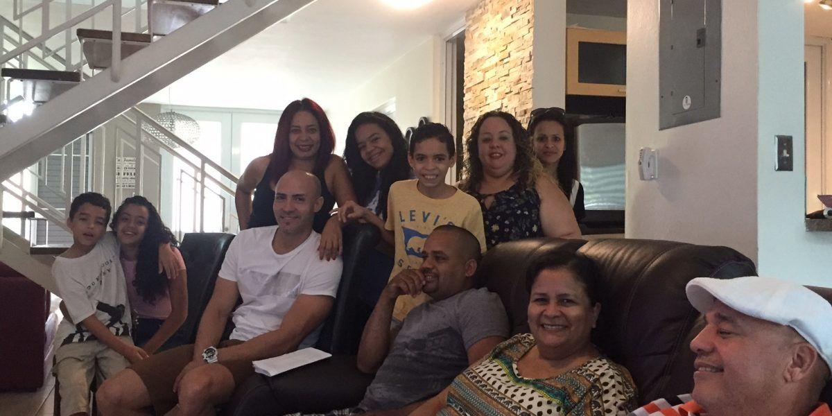 Familia celebra por todo lo alto las elecciones