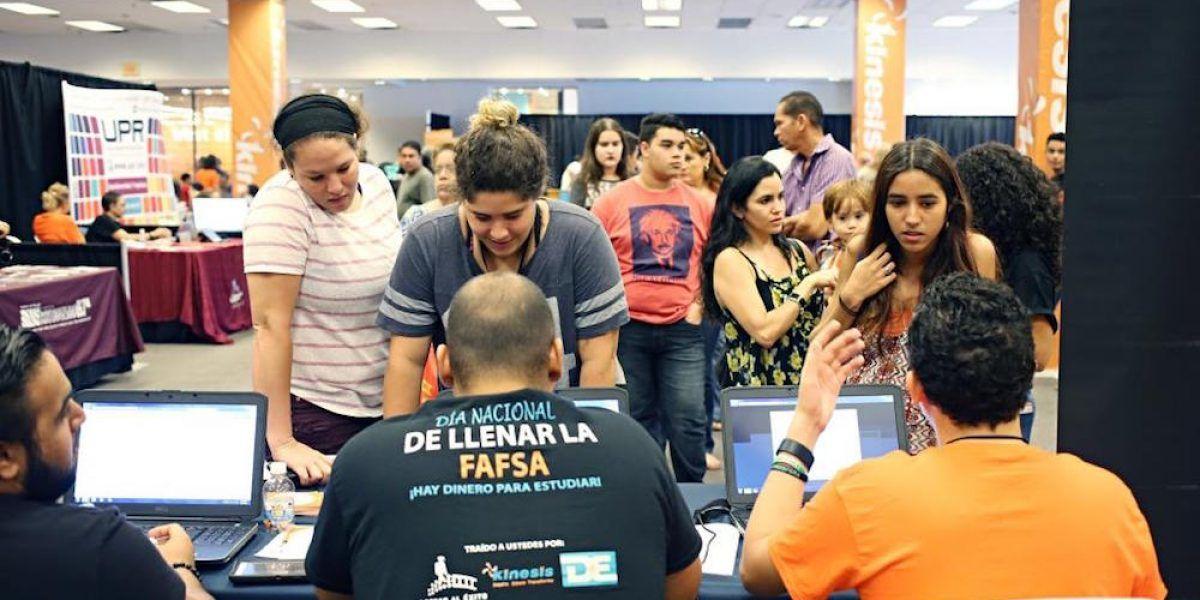 Ayudarán a que estudiantes soliciten la FAFSA