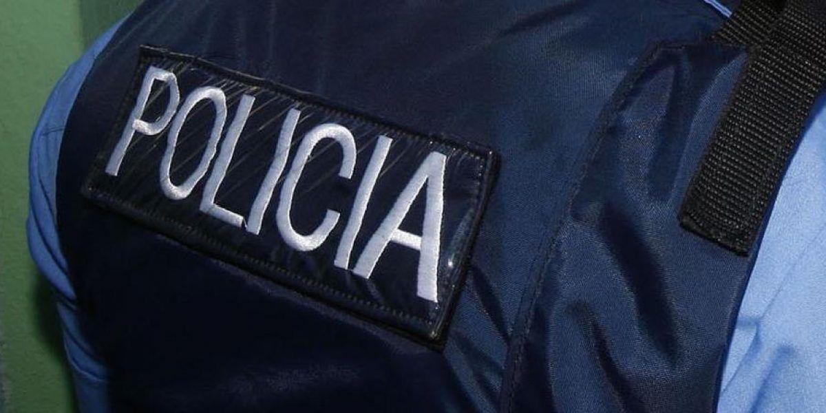 En medio de allanamiento arrestan a un sujeto por posesión de drogas en Ponce