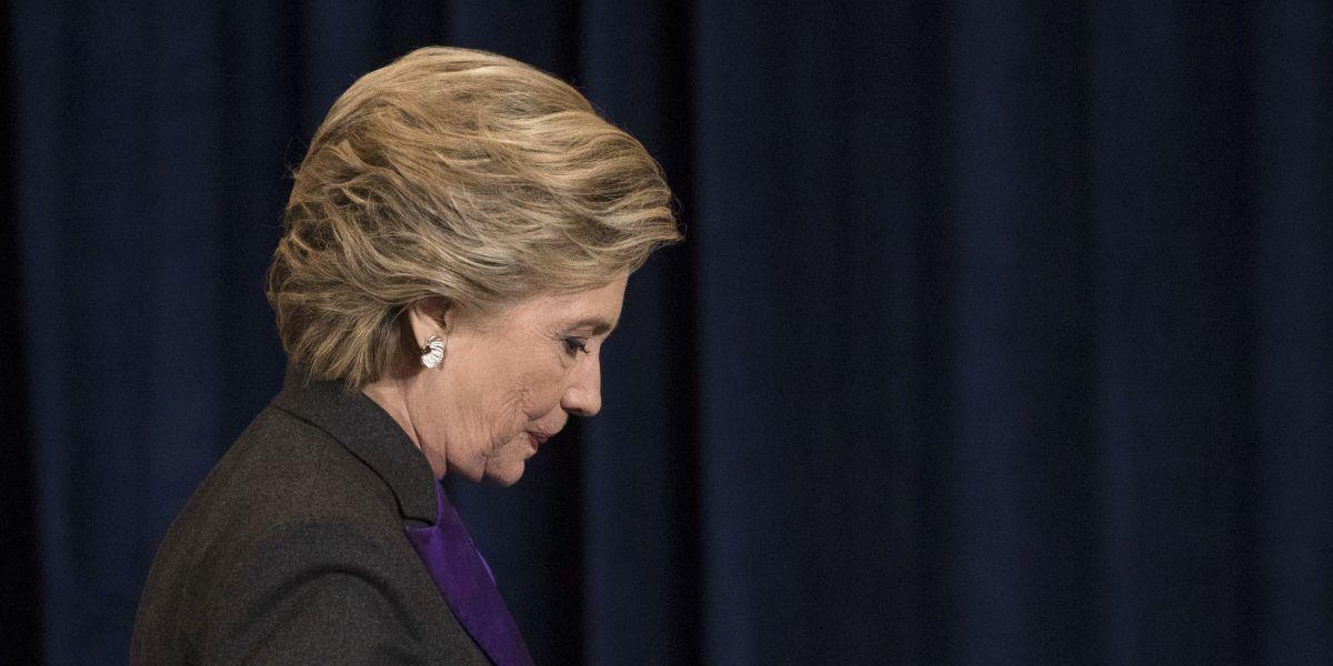 Clinton culpa al director FBI por derrota electoral