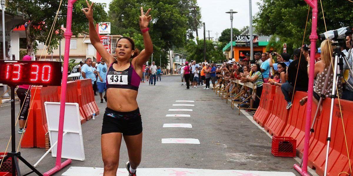 Atleta dominicana rompe marca de corrida 4k en Guayanilla