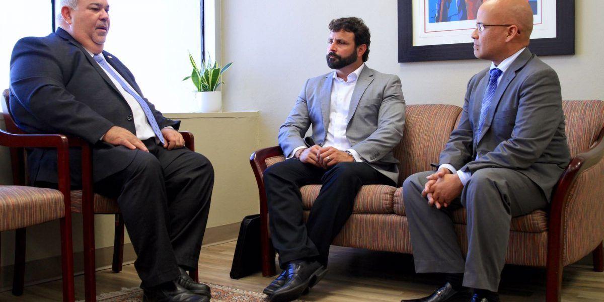 Nuevo presidente cameral se reúne con Administrador de Tribunales