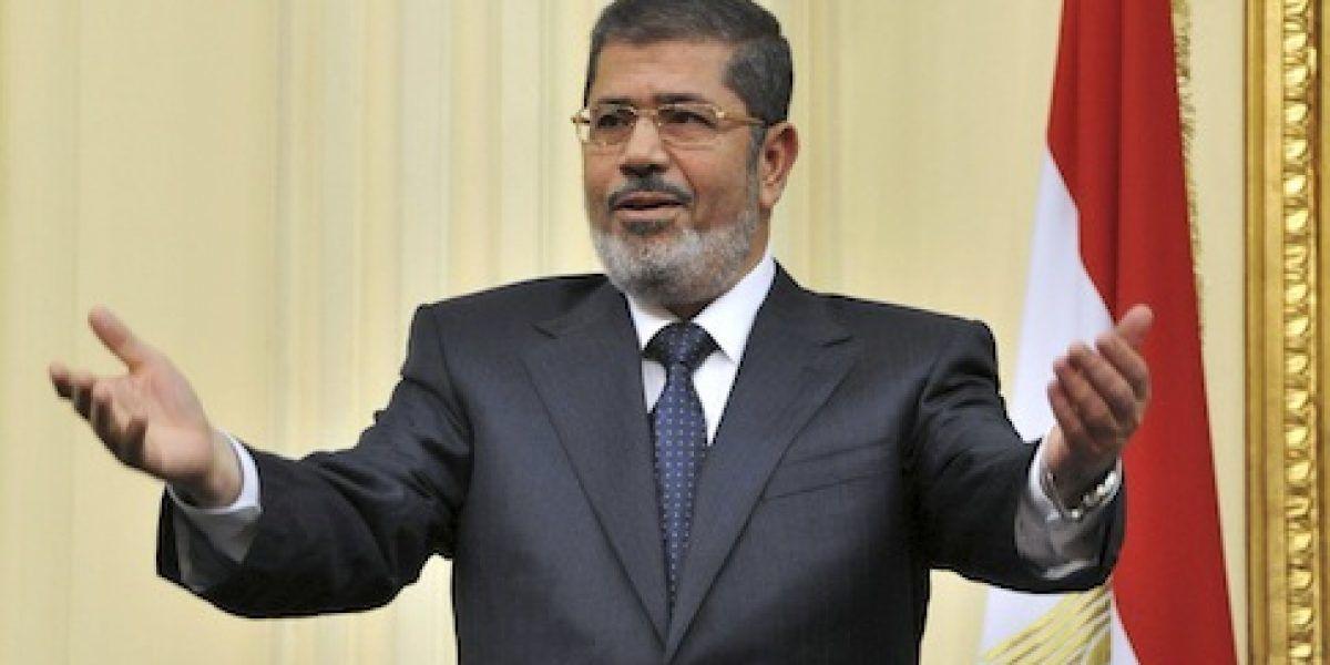 Tribunal egipcio anula condena de muerte a presidente derrocado