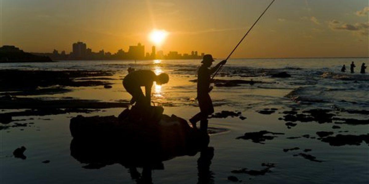 Condones también sirven para capturar peces en Cuba