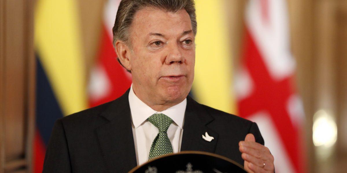 Presidente de Colombia viaja a EE. UU. para chequeo médico
