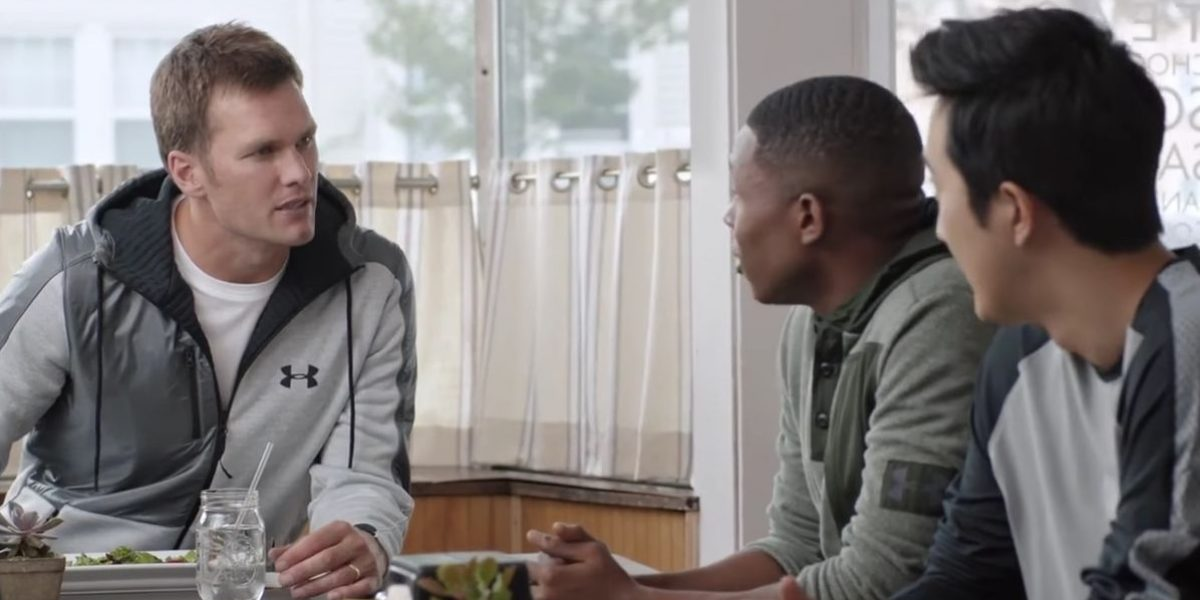 Video: Brady se burla de Deflategate en anuncio