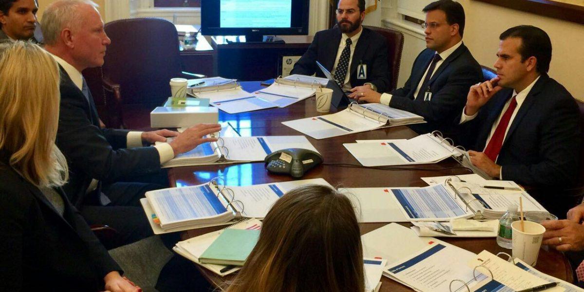 Rosselló y González reiteran sus propuestas de desarrollo económico al senador Hatch