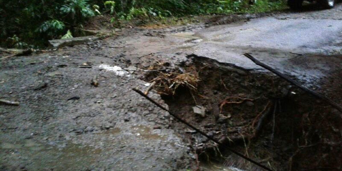 Nueve familias de Villalba incomunicadas por colapso de puente