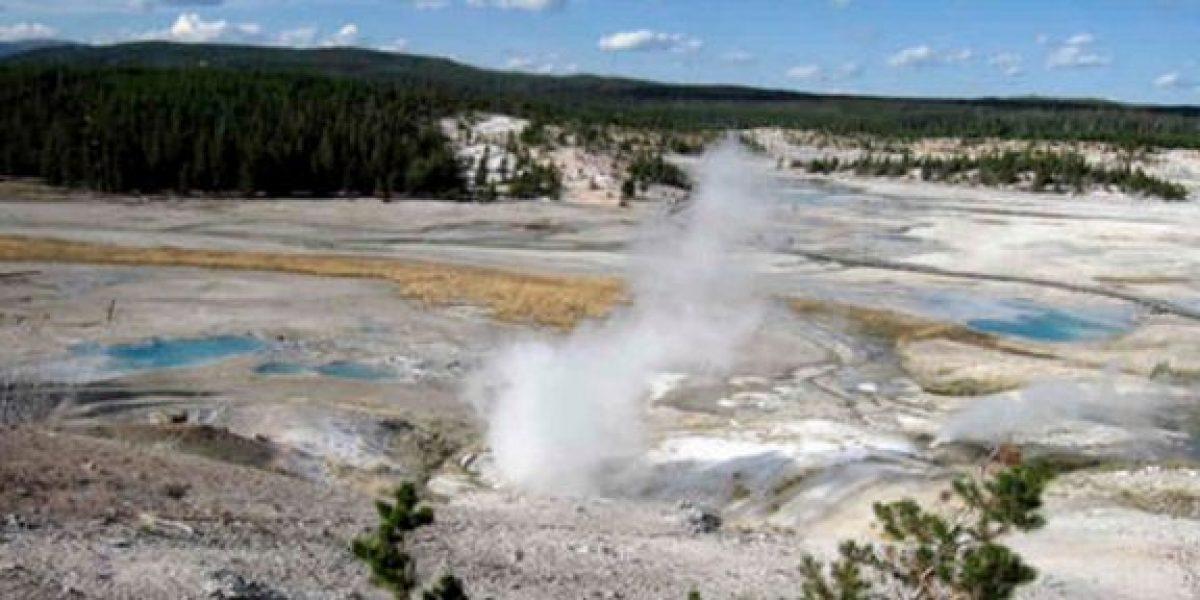 Joven muere al caer en fuente termal de parque Yellowstone