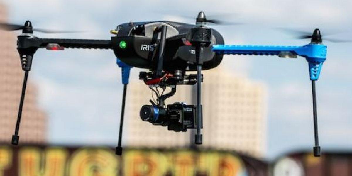 Dron a punto de golpear a un avión en Londres