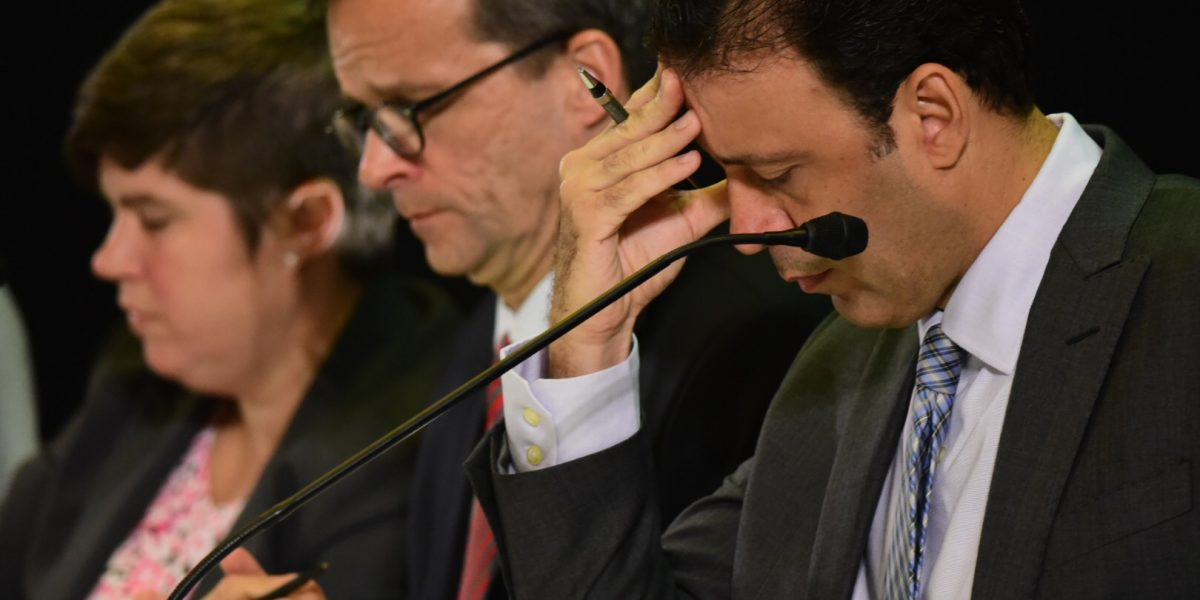 Organizaciones reaccionan a supuesta complicidad de banqueros con deuda y con JCF