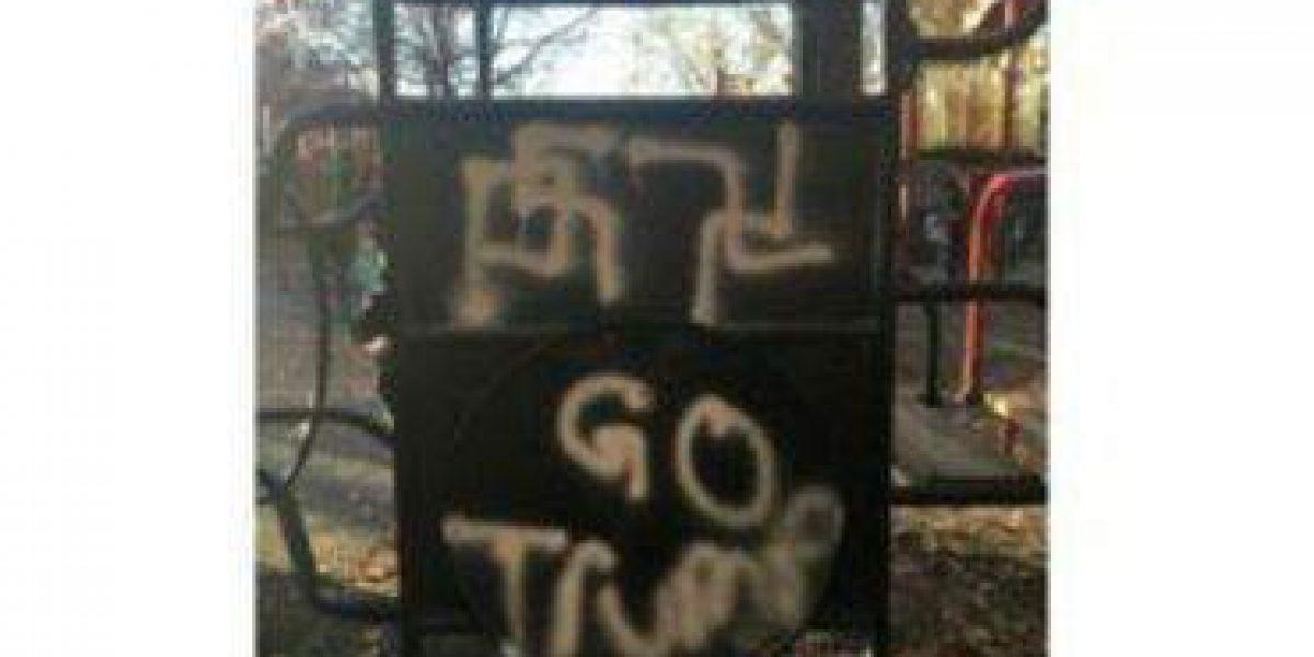 Aparecen esvásticas junto a mensajes de apoyo a Trump