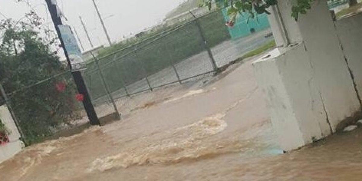 Cierre de vías en Vieques por inundaciones