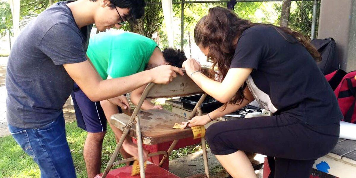 Decenas de estudiantes de la UPR de Río Piedras se organizan para ayudar a la comunidad