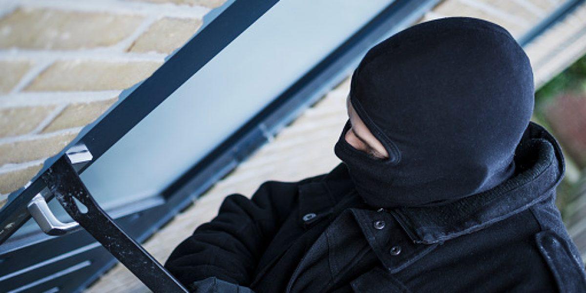 Ladrón se lleva 197 televisores de mueblería