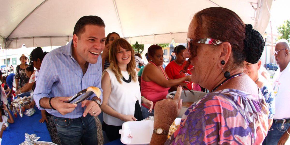 Alcalde de Cataño declara compromiso con los deambulantes