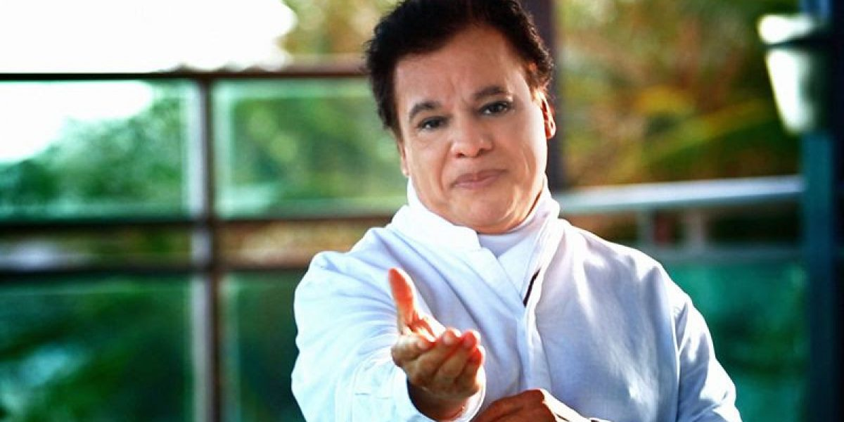 Telemundo transmite hoy bloque especial dedicado al fallecido cantautor Juan Gabriel