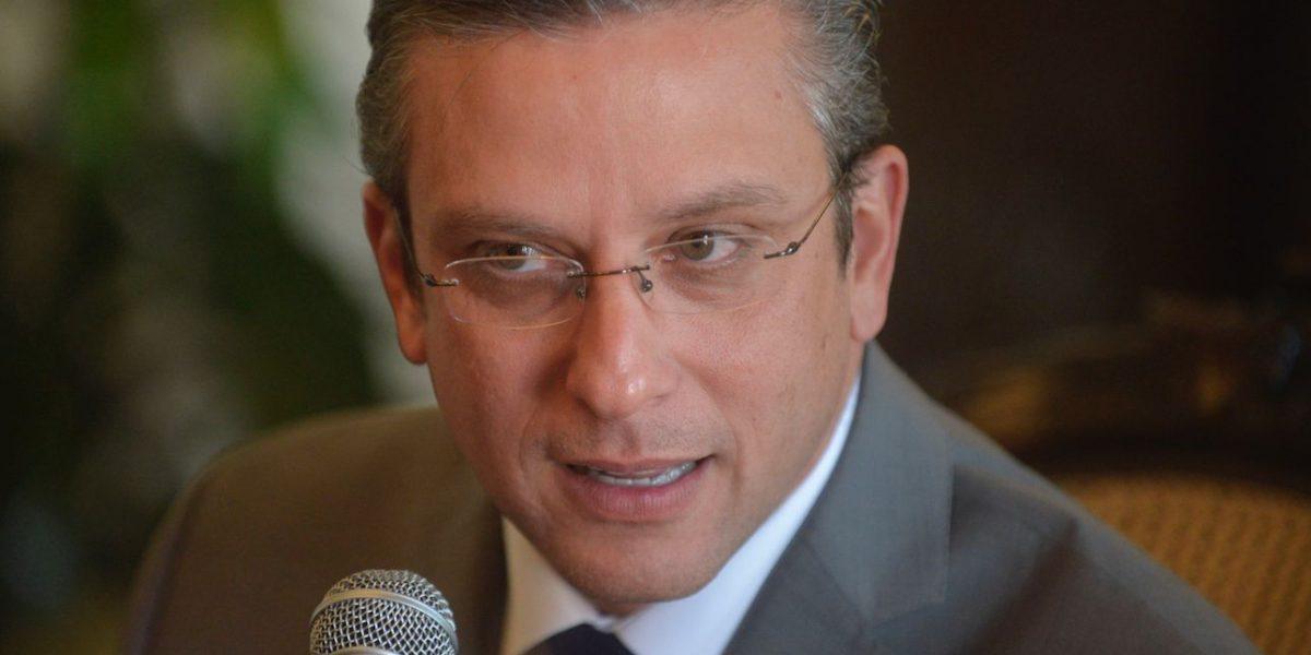 García Padilla parte a España para promover a Puerto Rico