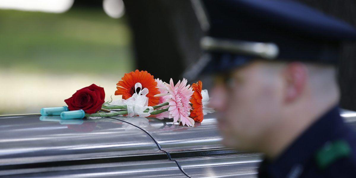 Asesinan policía en Texas que daba control de tráfico