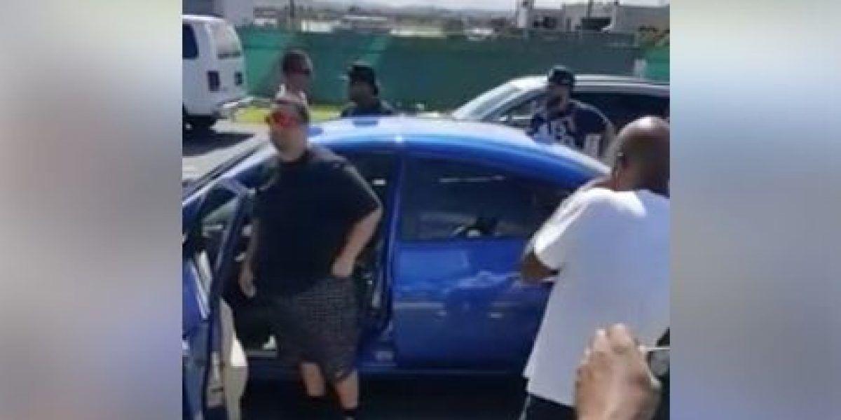 Taxistas se enfrentan de nuevo con supuesto conductor de Uber