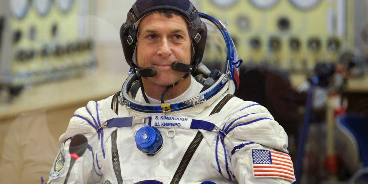Seis astronautas celebran Acción de Gracias en el espacio