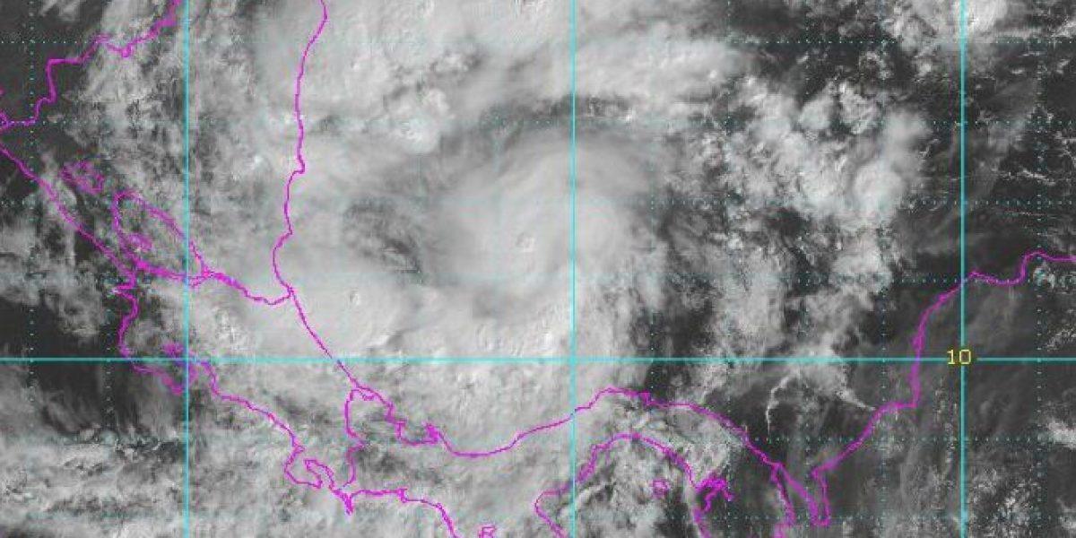 Tormenta tropical Otto apunta a Centroamérica