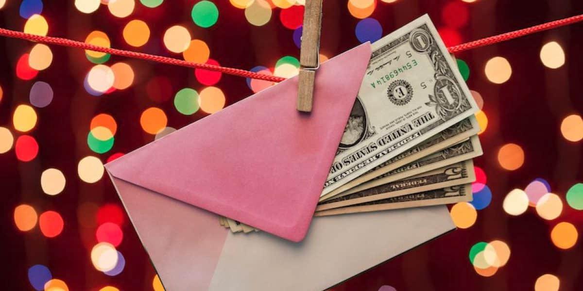 Empleados de Carolina reciben bono navideño