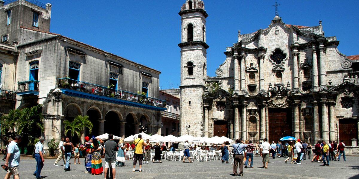 Turismo cubano podría atender a cuatro millones de visitantes en 2017