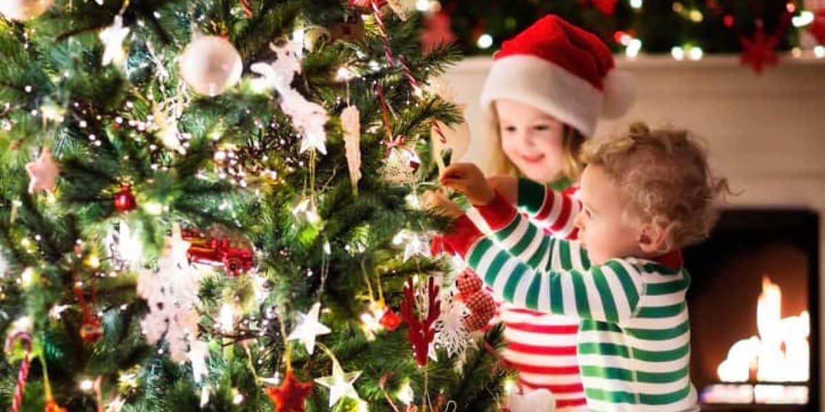 Boricuas colocan su árbolitos y le dan la bienvenida a la Navidad