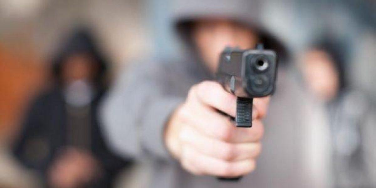 Ofrecen recompensa para dar con asaltantes de correo en Arecibo
