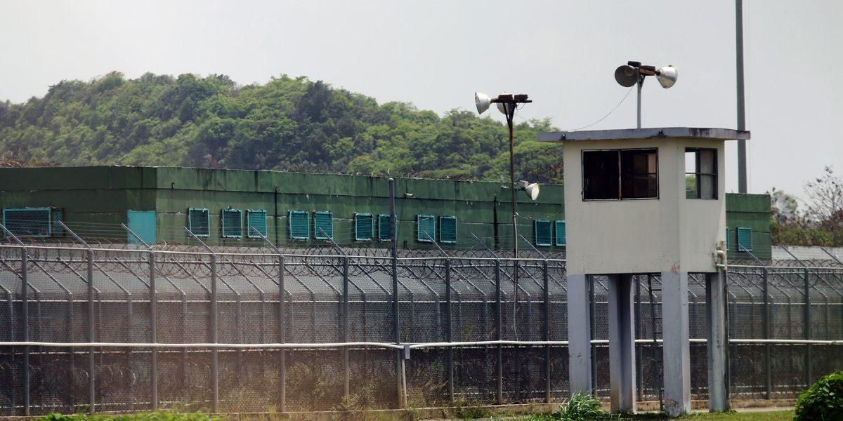 Confiscan celulares, drogas y cargadores en la cárcel Las Cucharas
