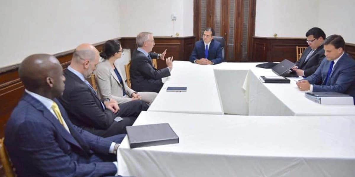 Ricardo Rosselló se reúne con William Dudley