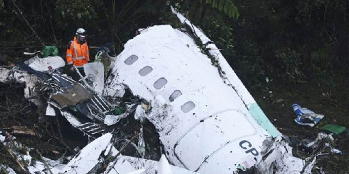 Accidente aéreo en Colombia abre guerra política