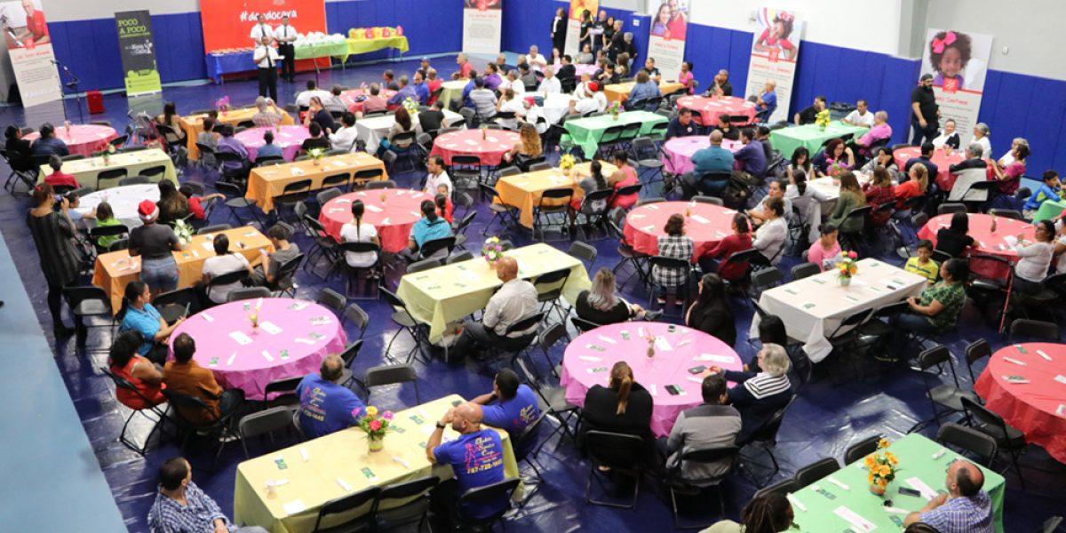 Salvation Army de San Juan y La Mesa a la Calle celebran almuerzo de Acción de Gracias