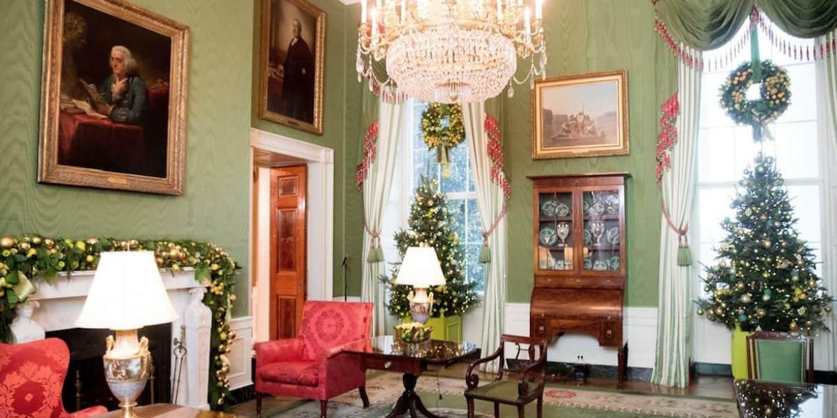 Michelle Obama decora Casa Blanca por Navidad por última vez