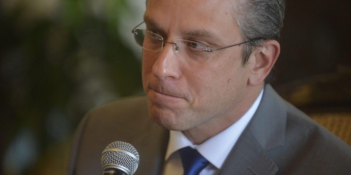 AGP arremete contra críticos a indulto de publicista