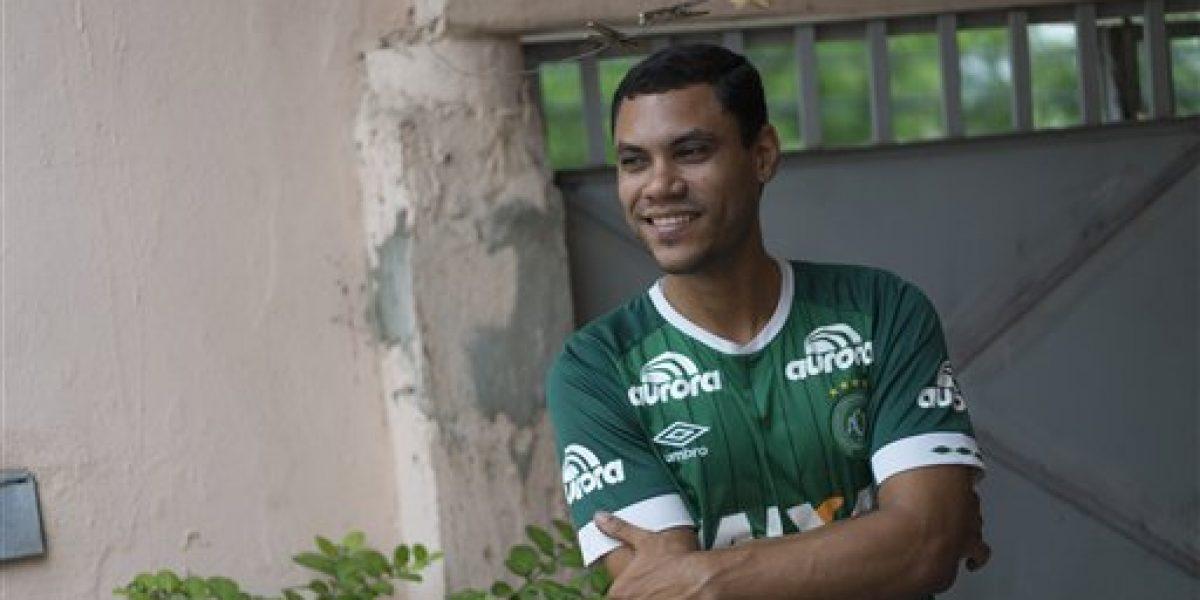 Alegría y dolor para familia de futbolista sobreviviente de tragedia Chapecoense